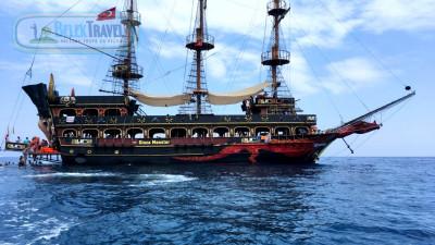 Прогулка на пиратской яхте в Белеке